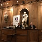 Première journée du colloque «Démocratie et liberté: les peuples modernes à l'épreuve de leurs contradictions» à l'Institut de France. Roger Scruton et Pierre Manent ce matin dans une salle prestigieuse, Philippe d'Iribarne et Jean-Marc Coicaud cet après-midi (séance en cours).