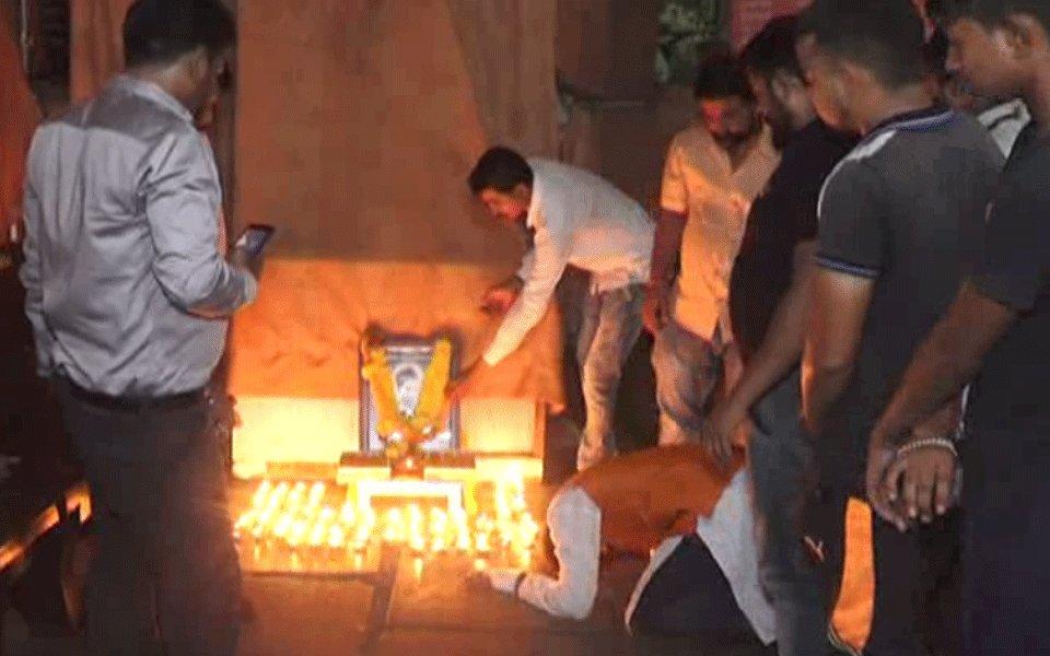 Six nabbed in Gujarat for celebrating Nathuram Godse's birthday