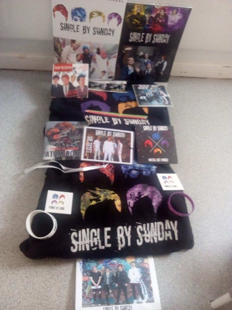 I just can't believe that my daughter @Nicole2000Adams has so much merch of @SingleBySunday she is such a big fan of there's that she has still got so much more to get. @JoshSBS @JackJesusBlack @jonnyeakins and it's so sad that @GeoWilson07 is not in the band now good luck to him