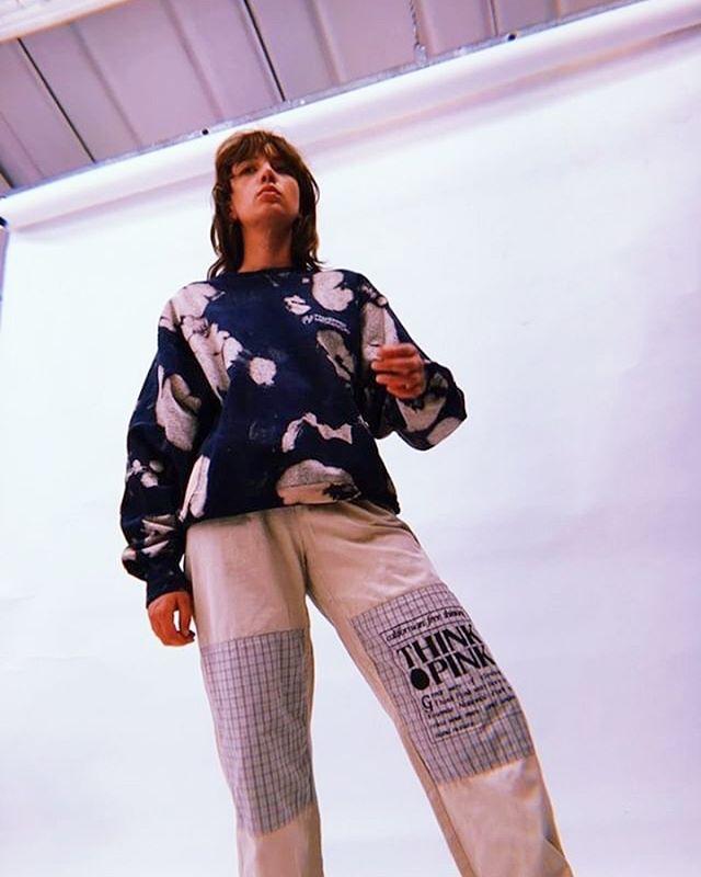 Vintage Splatter Sweats online now! #reworkedfashion #festivaloutfit #reworkedvintage #tiedye #londonfashion #reworkedfashion #fashiongram #zerowaste #sustainablefashion #fashiongrammer #ootd #ootdblogger #vintagesweat #grunge #oversize #nycstyle #streetwear #huji #photoshoot #ma