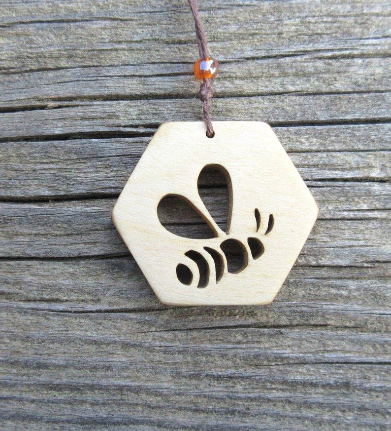 Today is World Bee Day...Celebrating our Hard working friends etsy.com/listing/680140… #WorldBeeDay #etsy #UKCraft #BeeInspired #necklace #pendantnecklace #handmade #womaninbiz #wildlife #etsyshop #UKGiftHour #etsymntt #handmadehour #giftideas #crafty #shoplocal #MondayMotivation