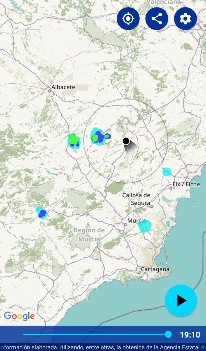 SITUACIÓN ACTUAL 19:10hrs:>> Surgen algunos #chubascos débiles al N-NW de #Jumilla.Podrán extenderse a otras zonas de sierras cercanas en las próximas horas.