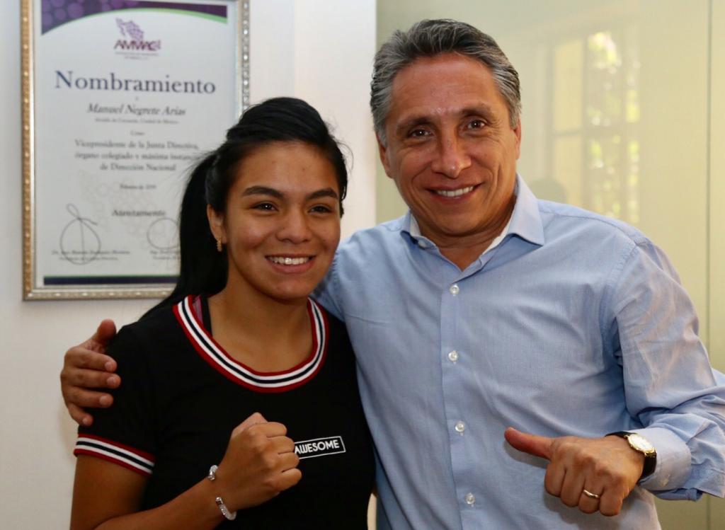 Tuve el gusto de reunirme con la tricampeona de Guantes de Oro, Jaky  Calvo,  quien entrenará en el Gimnasio Coyoacán para su pelea número 23 como pugilista profesional el próximo 6 de junio, acordamos trabajar en conjunto para impulsar el box en la demarcación.