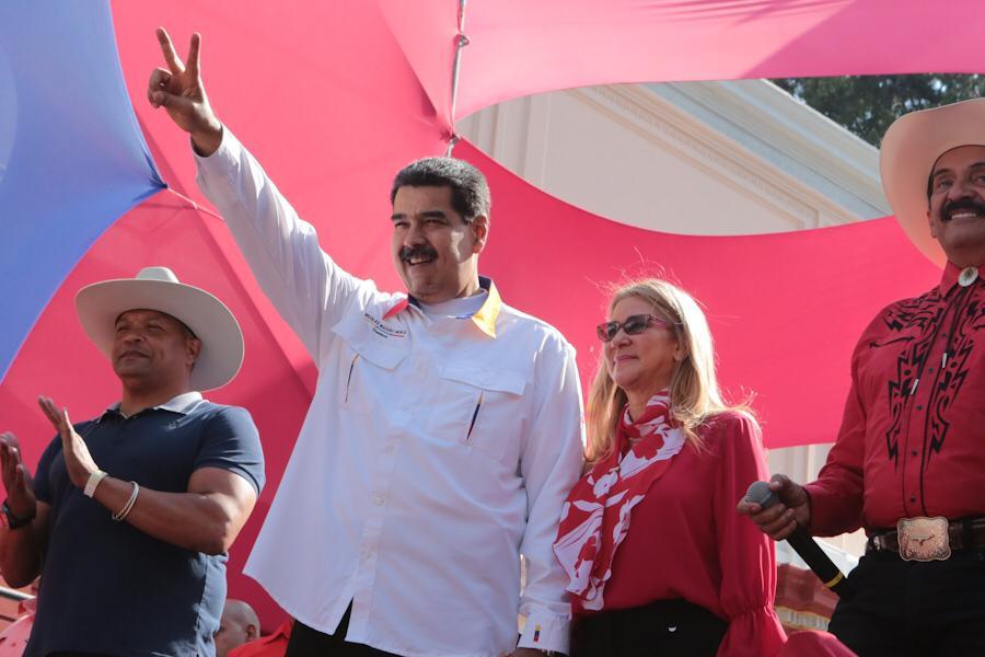 Agradezco al pueblo venezolano por la resistencia, la lealtad y el decidido respaldo a mi gobierno durante este año, en el que hemos enfrentado duras pruebas, agresiones y bloqueos imperiales. Con lealtad, patriotismo y esfuerzo permanente avanzaremos de victoria en victoria.