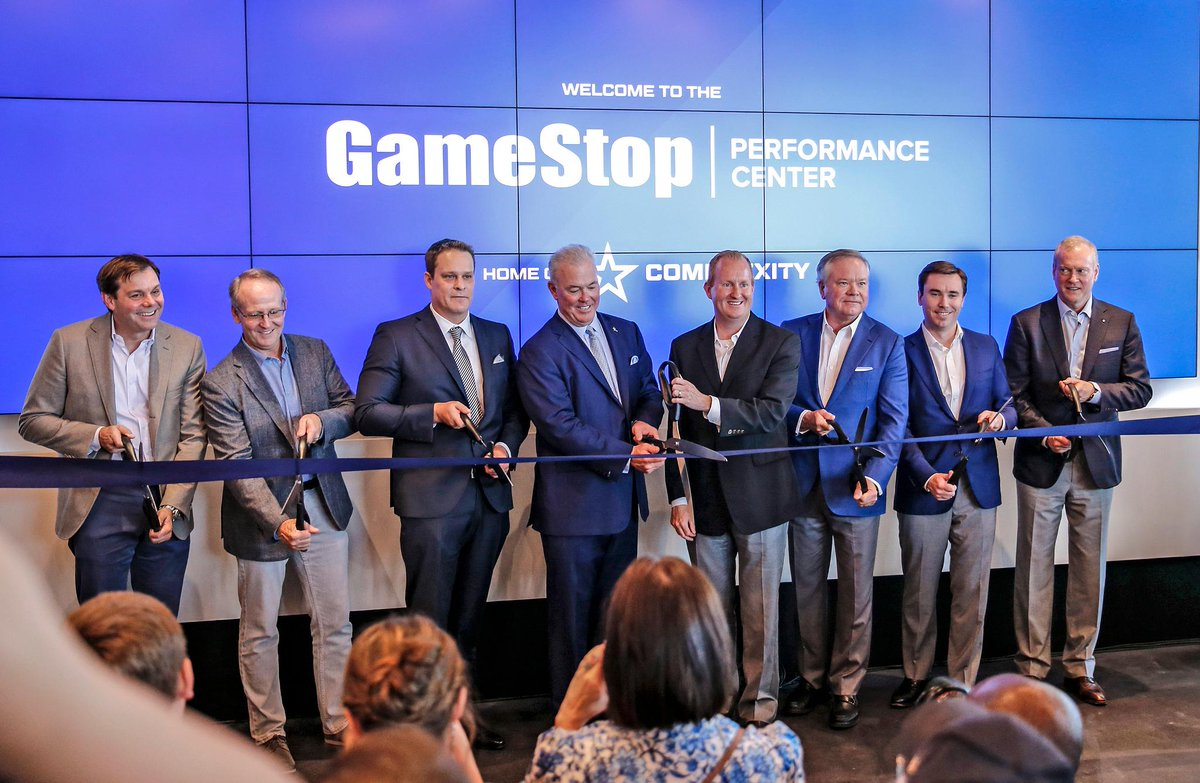 .@TheGSPC is officially open at #TheStarInFrisco! 🎮 We are excited for the future of @compLexity as they advance in the esports industry with the team's new state-of-the-art headquarters. #WeAreCOL #GSPC