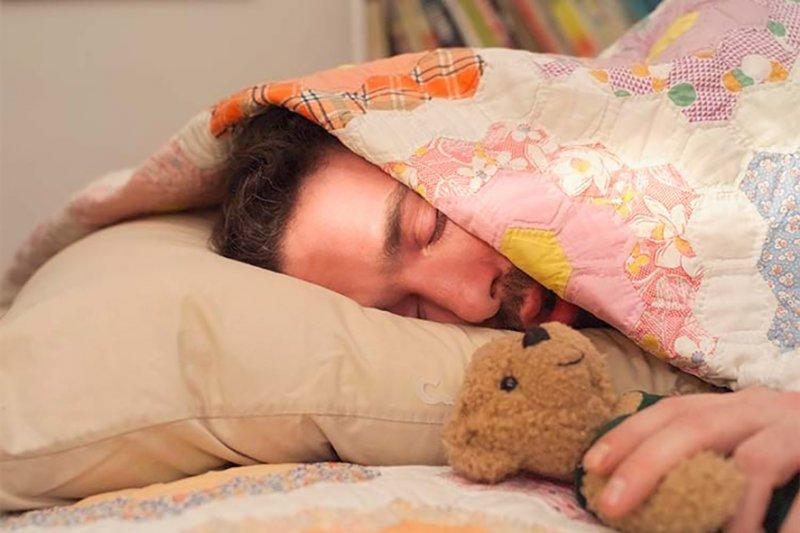 Смешная картинка спящего мужика