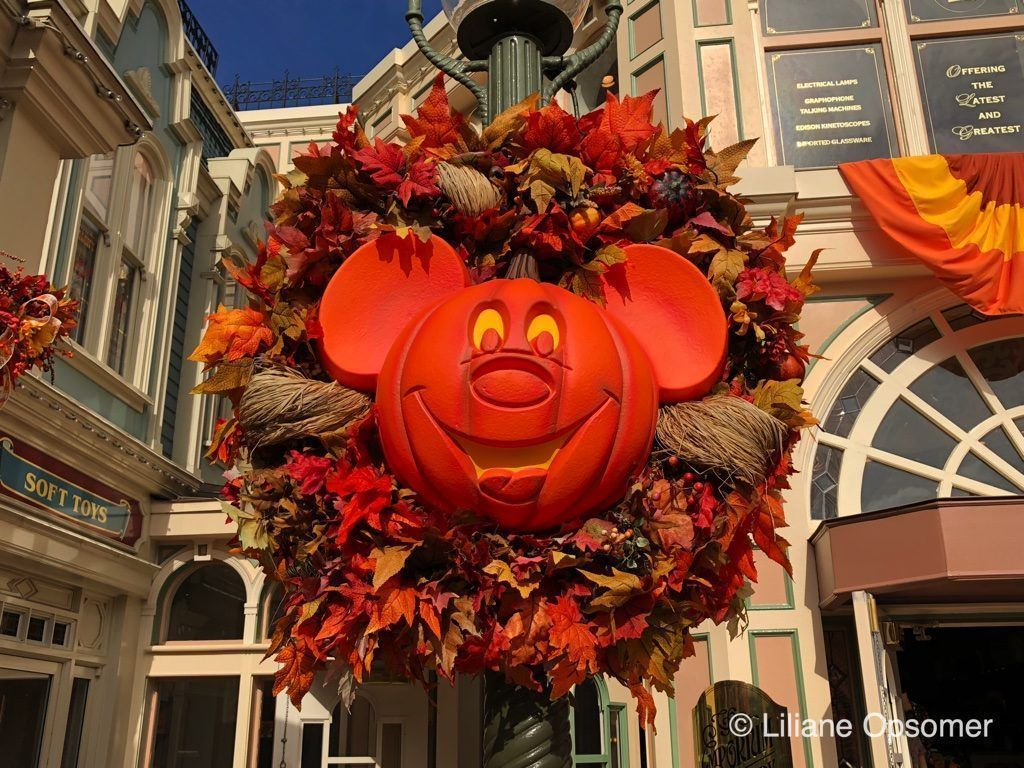 Do you have your tickets yet? #Halloween may still be months away but Walt Disney World has started ticket sales for the 2019 Mickey's Not-So-Scary #Halloween Parties a while ago! #MNSSHP https://theugseries.com/2NkIwfX #Disney #SpookySeason  ^@lilianeopsomer