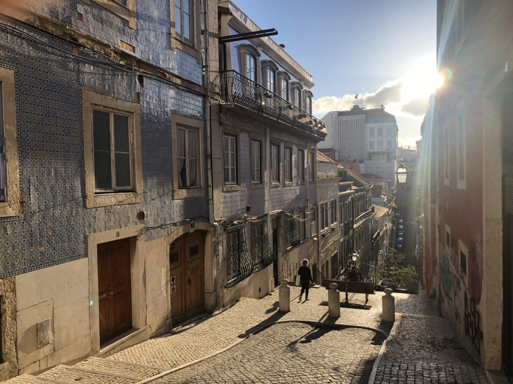Just arrived at beautiful Lisboa for @uxlx. Are there any pre-conference events tonight? #uxlx