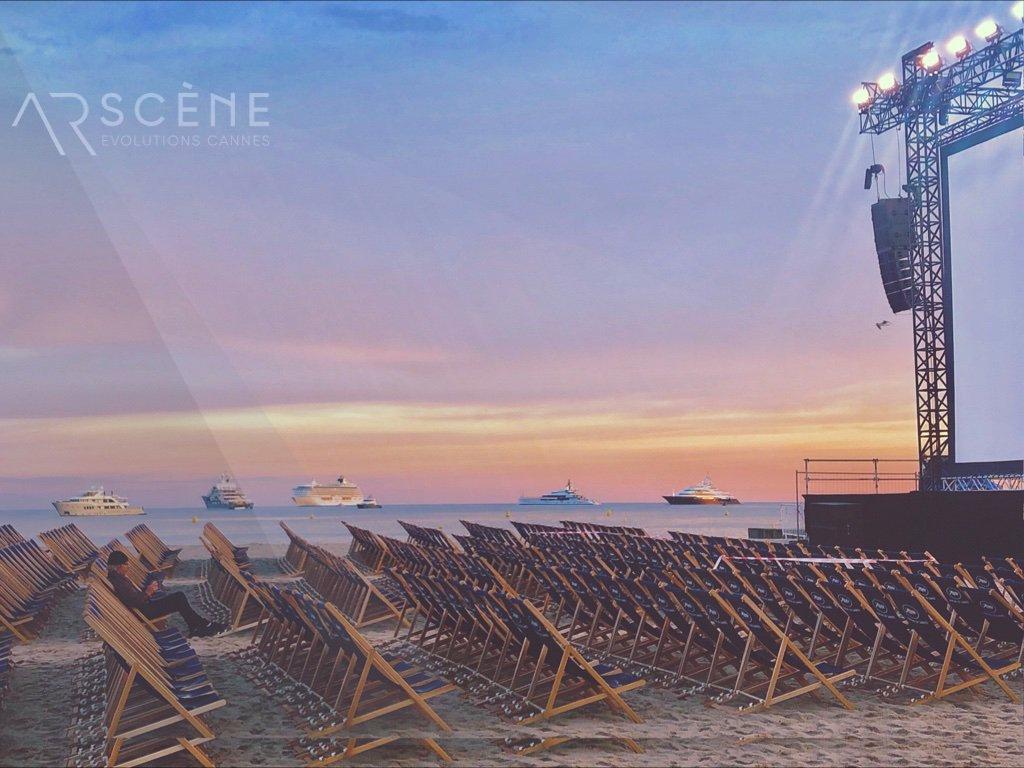 Coucher de #soleil sur le #Cinémadelaplage... #Cannes2019 @villedecannes #Festivaldecannes #arsceneevolutions #movie #beach #officeoftheday