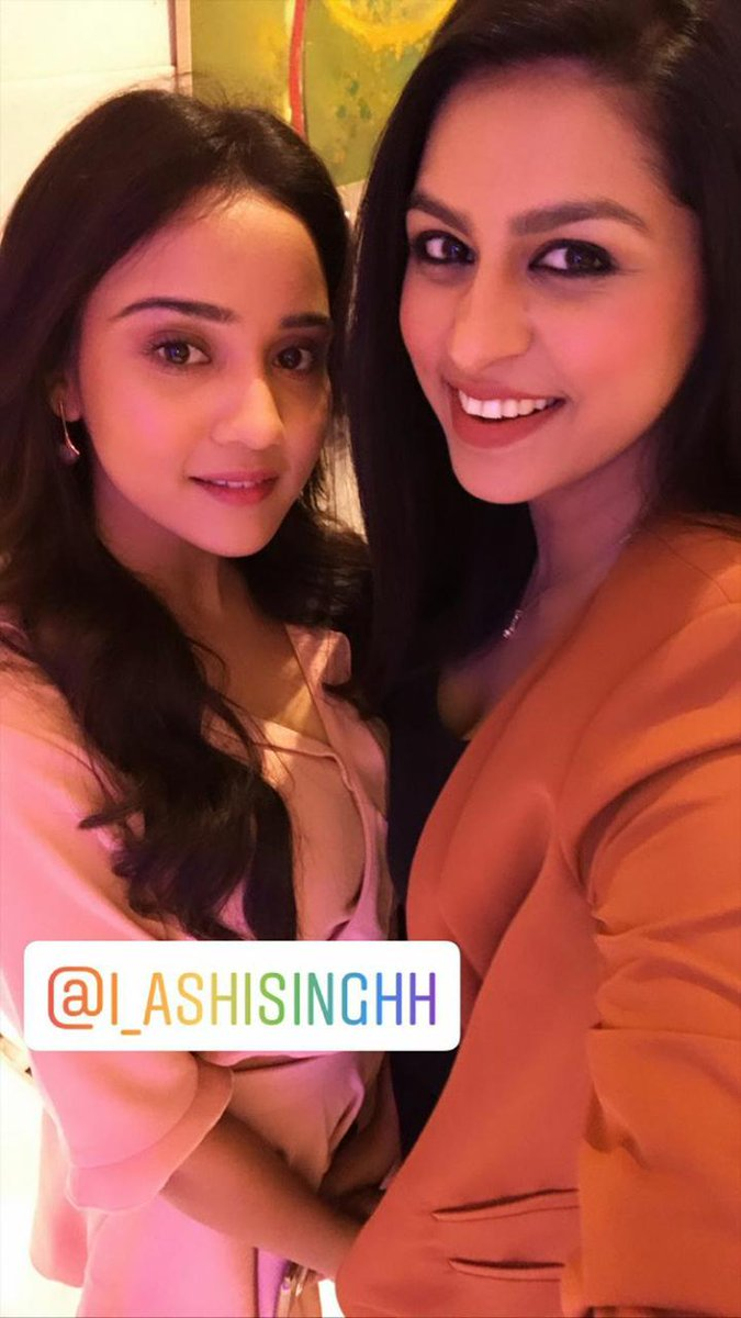 her beauty captured soo well. Her charming smile  @Ashisinghh   #YehUnDinonKiBaatHai | #YUDKBH <br>http://pic.twitter.com/tBZWao8lqO