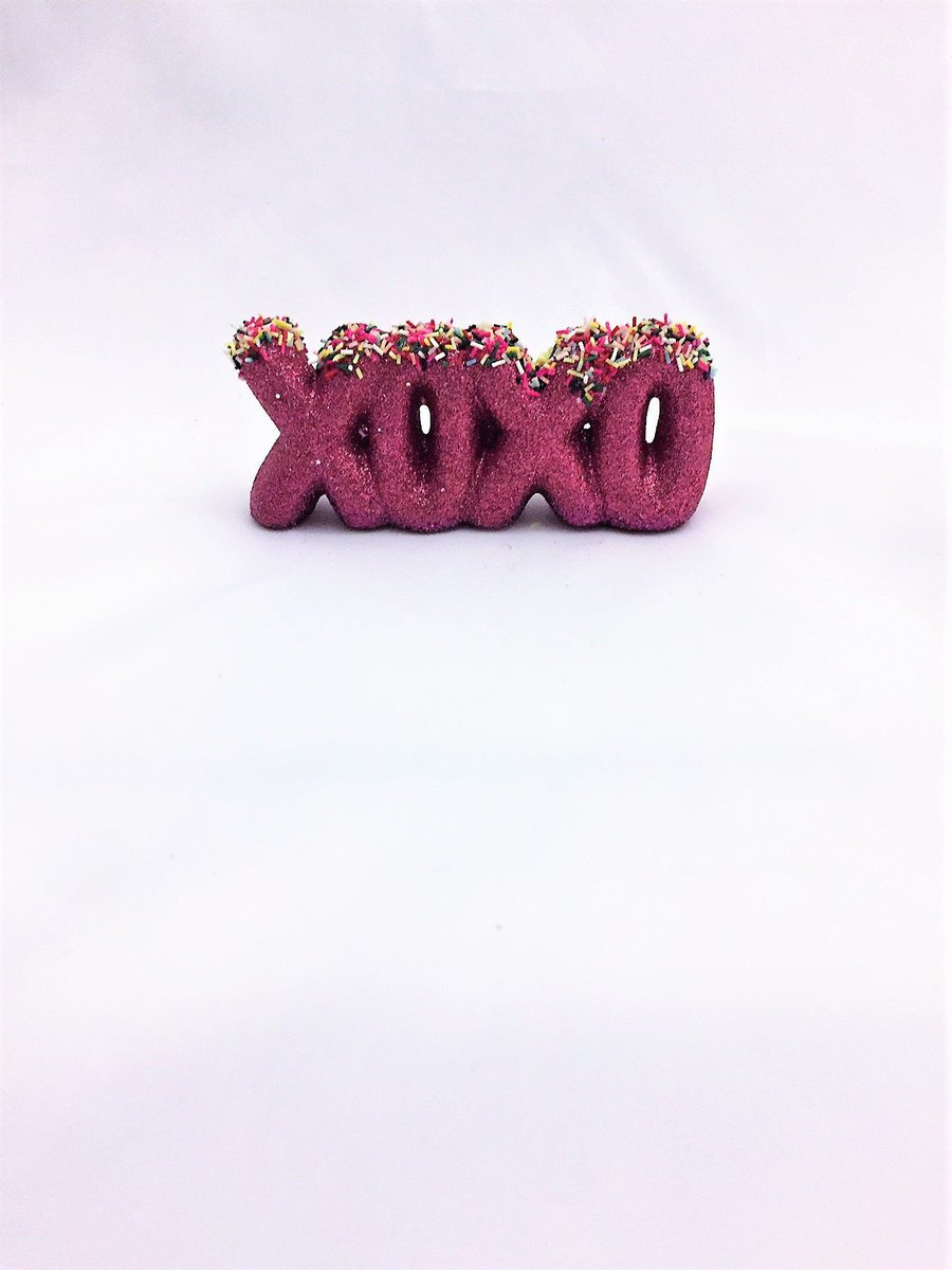 Hugs and Kisses Decor, Xoxo Gift, Kawaii Decor, Gift for Mom  http:// tuppu.net/a69f4077  &nbsp;   #kraftymckrafterson #Etsy #HugsAndKisses <br>http://pic.twitter.com/bQZ7W07XcW