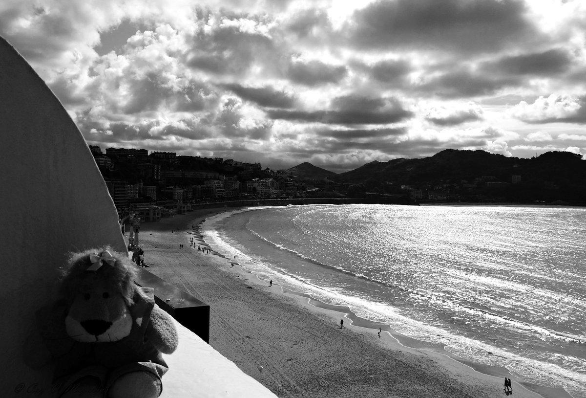 #SanSebastián #Donostia #España #Spain #FelizSemana #Leoncia Playa de la Concha