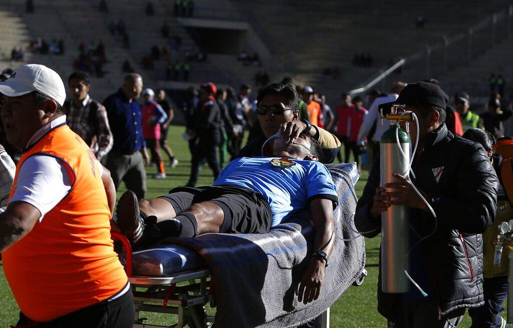 #Deportes Bolivia: Muere árbitro tras desplomarse en partido de fútbol http://ow.ly/Nq1550ujqJE