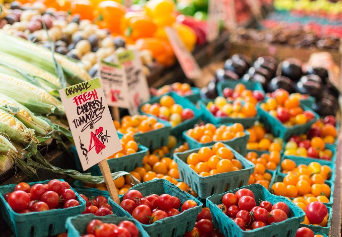 As part of 31 Days of Wellness, @mycpwell hosted Cal Poly's very first campus Farmer's Market on May 7. Head to Mustang Way tomorrow from 3:30-5:30 p.m. for some delicious local produce! #Sustainability #CalPoly