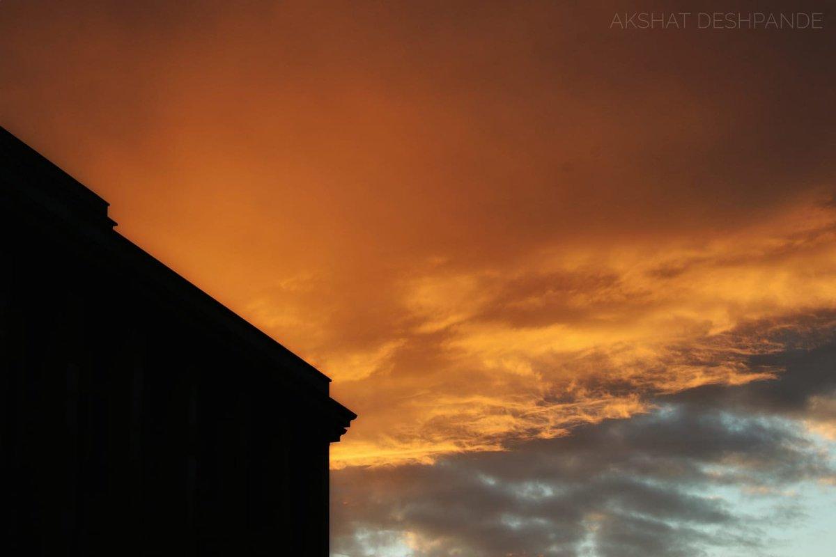 Black & orange Perfecto  . . . #May20 #post141 #sky #Sunset #effieltower #black #mesmerizing #paris #France #loveinparis #parislovers #instagram #photography #travel #picoftheday #travelbloggers #travelphotography #museum #igersparis #MyNIKKOR #OnTheRoadNikon pic.twitter.com/fS6wClZxx2