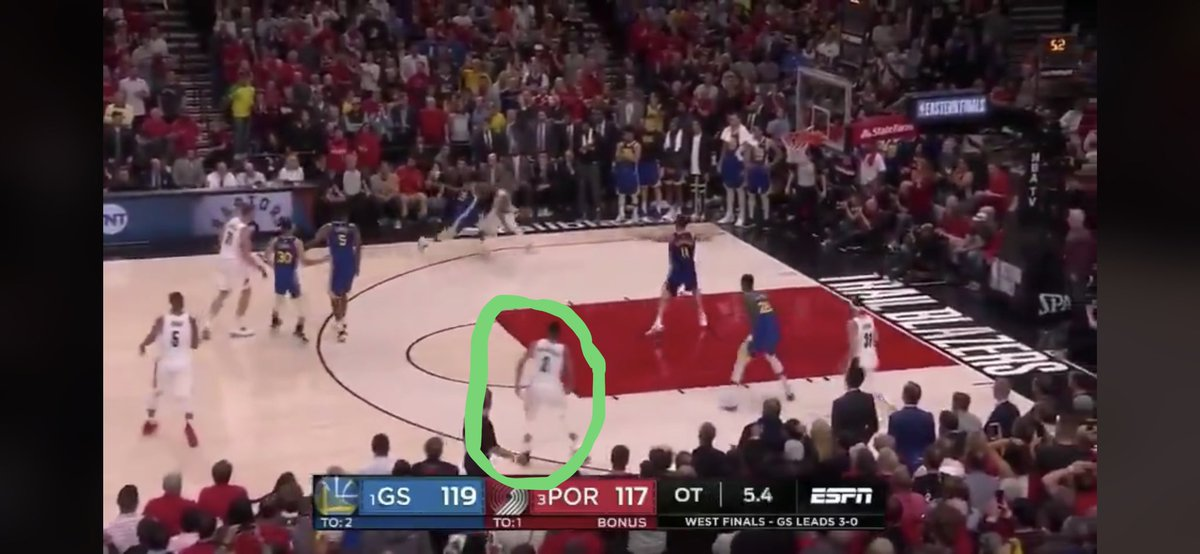 Dame dribbling right into a waiting Klay with CJ standing wide open on the wing. Would have liked CJ to make a free throw line cut here but Dame's gotta make that pass