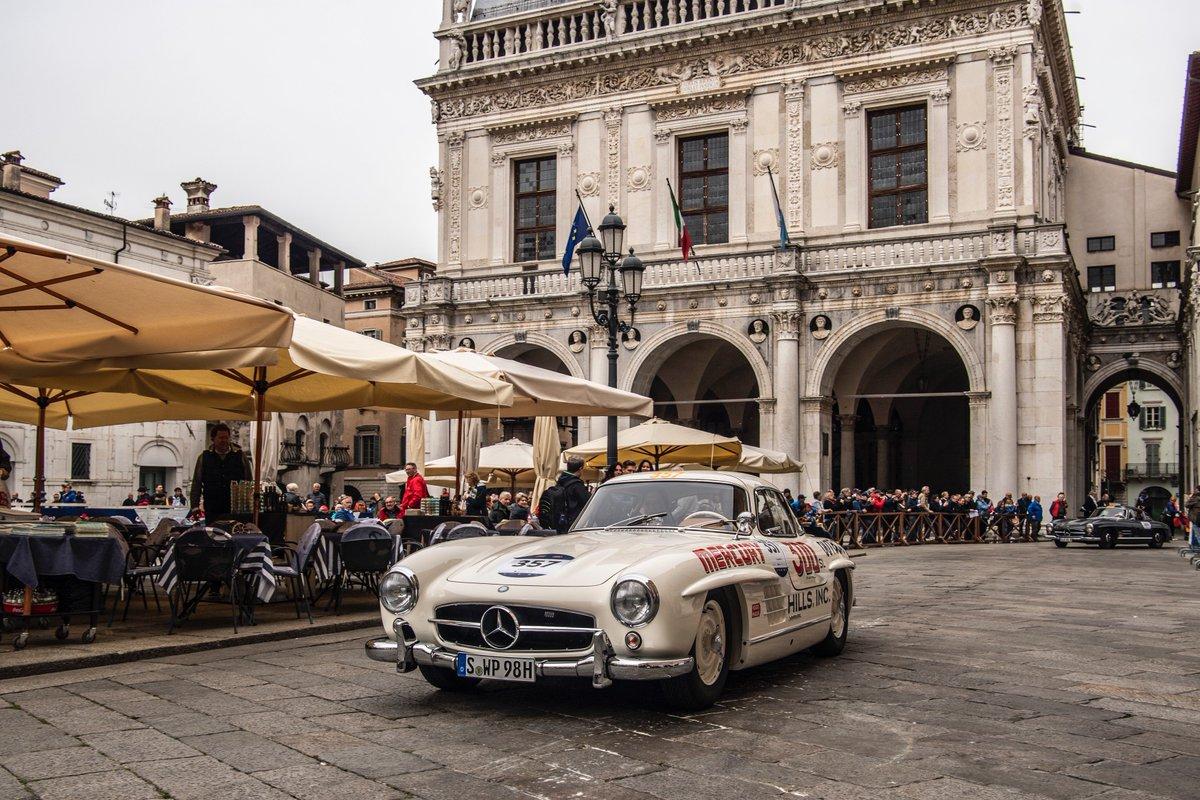 Así vivimos 1000 millas en las que nuestra ingeniería, diseño e historia son los grandes protagonistas.  ¿Cuál es tu Mercedes-Benz clásico favorito de #1000Miglia2019?  #MBmille #MBclassic
