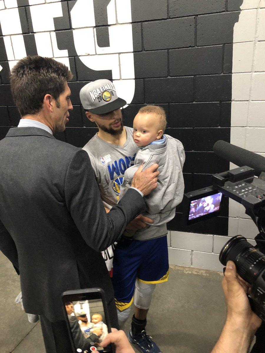 勇士4-0橫掃拓荒者,賽後柯瑞談到杜蘭特,這一席話彰顯人品!-Haters-黑特籃球NBA新聞影音圖片分享社區