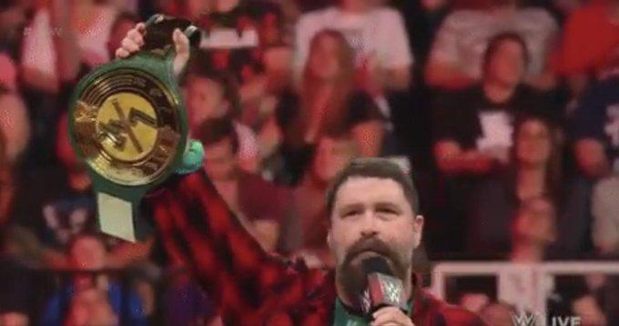 #WWERaw Photo