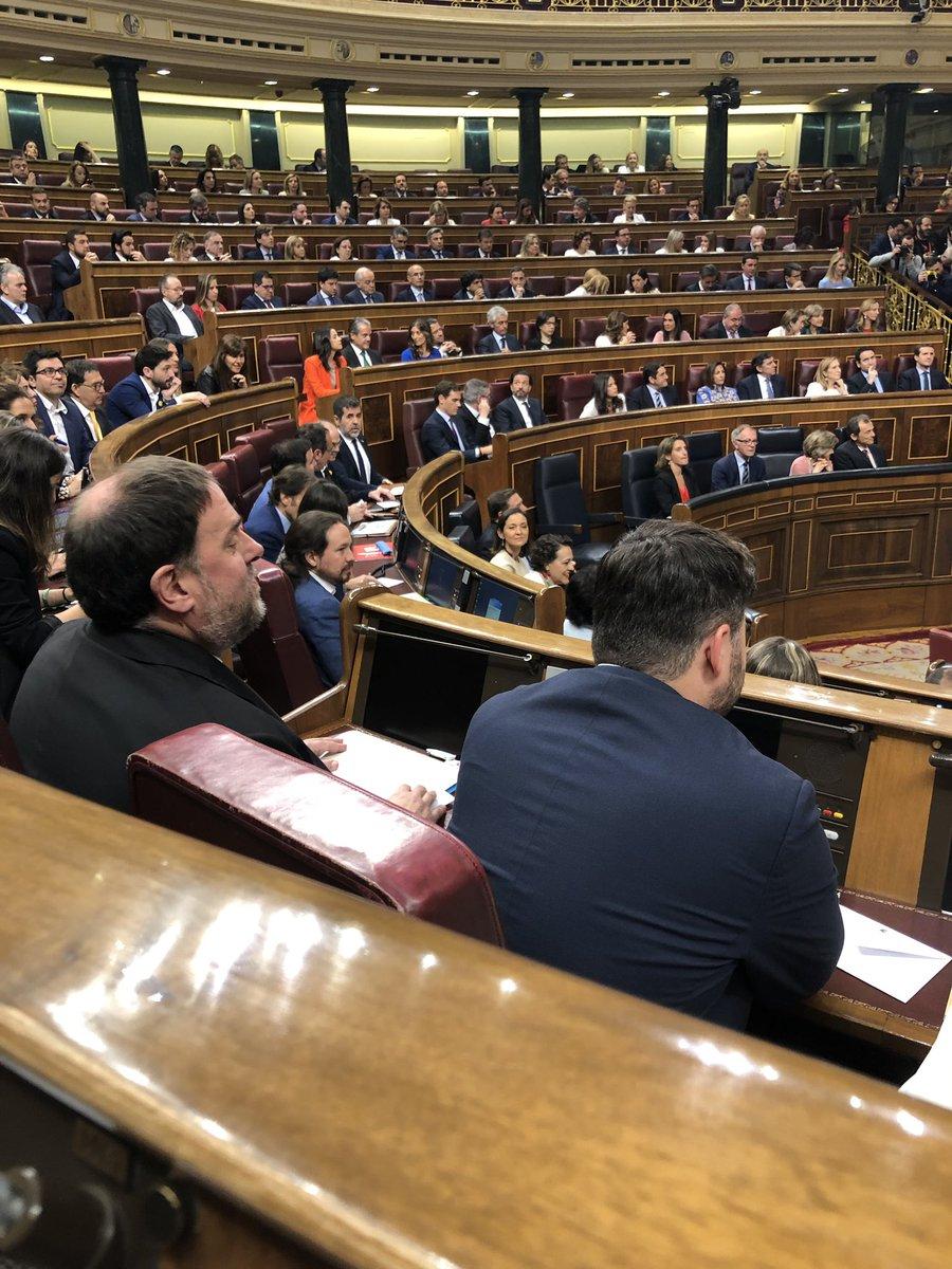 A l'escó del @Congreso_Es ja sentat el diputat, Oriol @junqueras , #21M