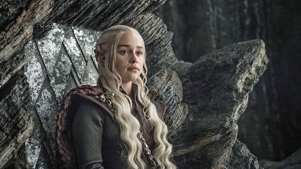 What happened to Dany is what has happened to a lot of women since the beginning of time. They fall for basic dudes (*cough* Jon Snow *cough*) and lose their identity just to get killed by the same man. But the guy always gets off scot-free. Open your eyes guys. #TheFinalEpisode <br>http://pic.twitter.com/hn41UbMpcj