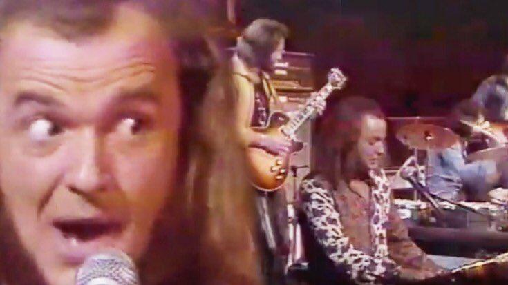 "Focus  ""Hocus Pocus"" Live '73  https:// youtu.be/g4ouPGGLI6Q  &nbsp;  <br>http://pic.twitter.com/CkjUnc6d9K"