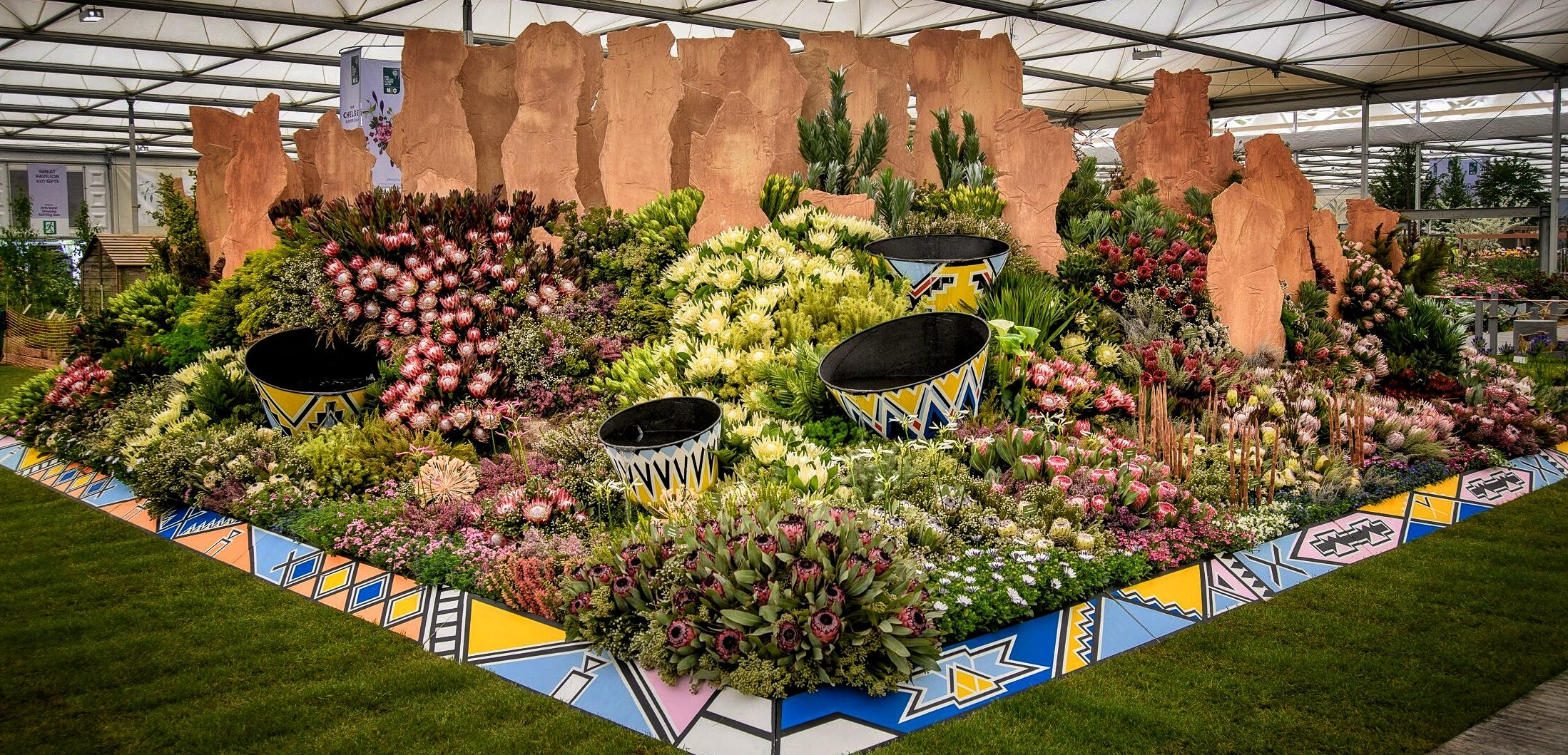D7EvCKMXsAIMG9g?format=jpg&name=4096x4096 - Kate Middleton shares throwback photo in support of the Chelsea Flower Show