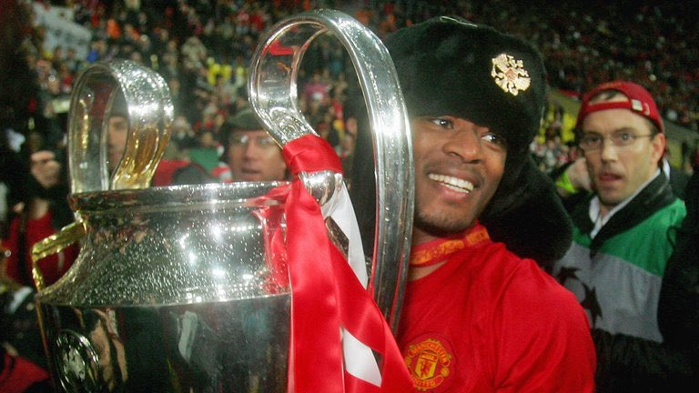 11 years ago!!! Wowowow. With my favourite trophy and my best hat! Hahahahahaha #UCL #ILoveThisGame