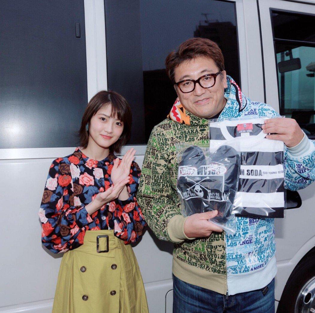 若様、インスタ更新ありがとうです😍🤗福田監督さんとのツーショットとても貴重なシーンの写真ですね😆✨髪型に服装がおしゃれでとても可愛すぎます😍😳これからも活躍がとても楽しみです🤗✨#wakagram