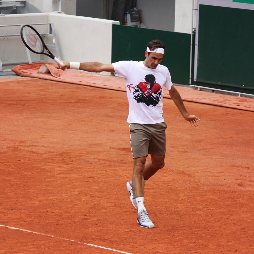 From Federer&#39;s Practice #RG19    tennisbase<br>http://pic.twitter.com/D1IUAEbWVf