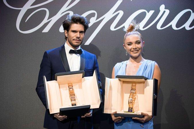 Florence Pugh et François Civil reçoivent le trophée Chopard 2019 https://www.fashions-addict.com/Florence-Pugh-et-Francois-Civil-recoivent-le-trophee-Chopard-2019_408___18559.html… #Cannes2019 #Cannes #trophée #chopard #actrice #acteur #cinema #redcarpet  @Chopard