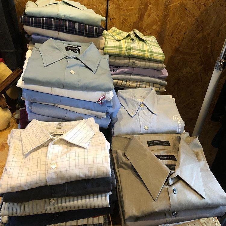 「MOTHER ROAD」さんでは梅雨から夏に向けて大活躍間違いなしのコットンシャツ、通勤通学にも使えるドレスシャツなど100枚以上を¥1,900+taxで大放出!! フルギフェス 5月26日開催-大井競馬場 #古着フェス #フルギフェス #古着 #古着屋 #ディグる #フリーマーケット #フリマ