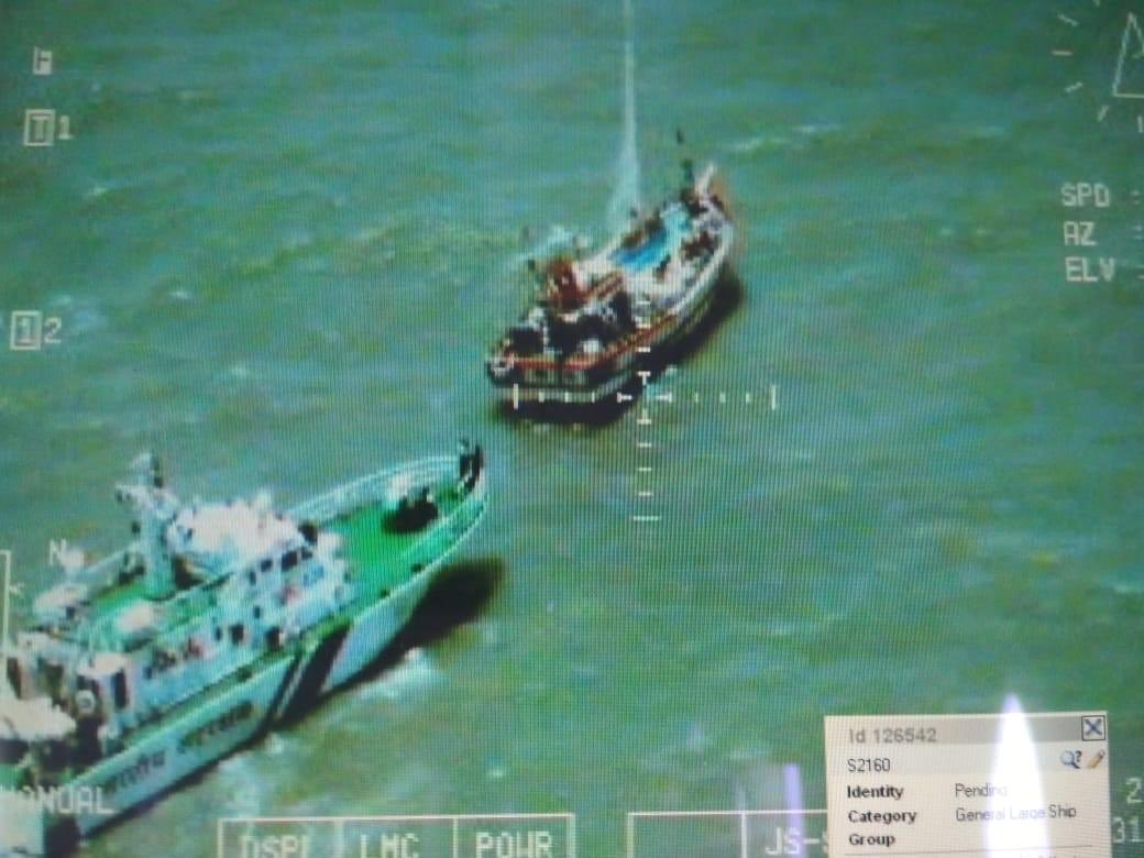 Indian Coast Guard apprehended a Pakistani fishing boat today inside Indian waters off International Maritime Boundary Line, 194 packets of suspected narcotic substances seized from it. Further investigation underway. @Girishjoshi1957