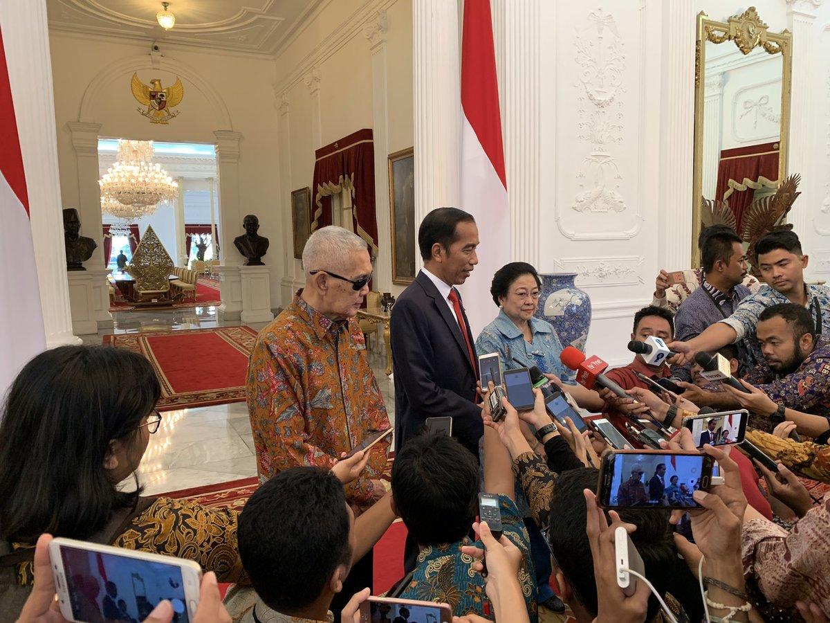 Presiden @jokowi menerima Presiden ke-5 Ibu Megawati dan Wapres ke-7 Bapak Try Sutrisno, saling mengucapkan selamat atas penetapan KPU untuk Pilpres dan Pileg #IndonesiaMaju #silahturahmi