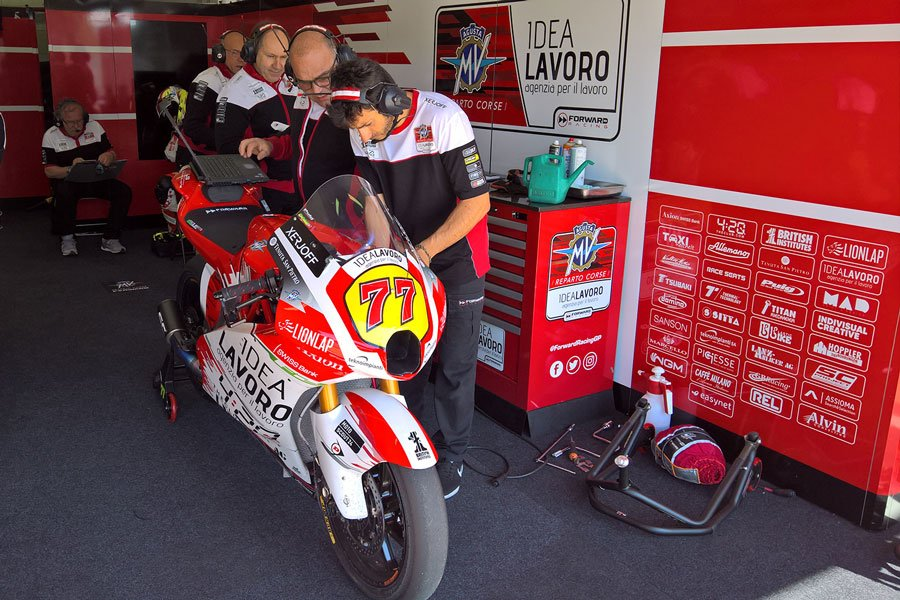 No rest as hard developing work continues this week with a two-day test at @Circuitcat_eng #DA77 @ForwardRacingGP in #Spain
