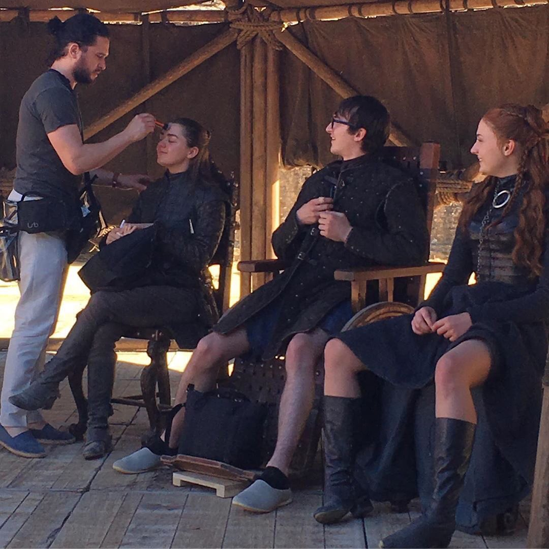 Kit Harrington Played Makeup Artist To Maisie Williams on GOT Set