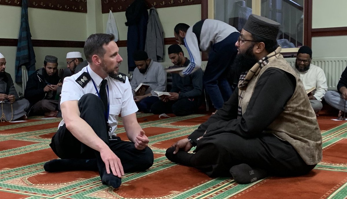 I wonder what @CSPLeicsPolice and @sylorgat were talking about last night? Another reminder of a great evening.