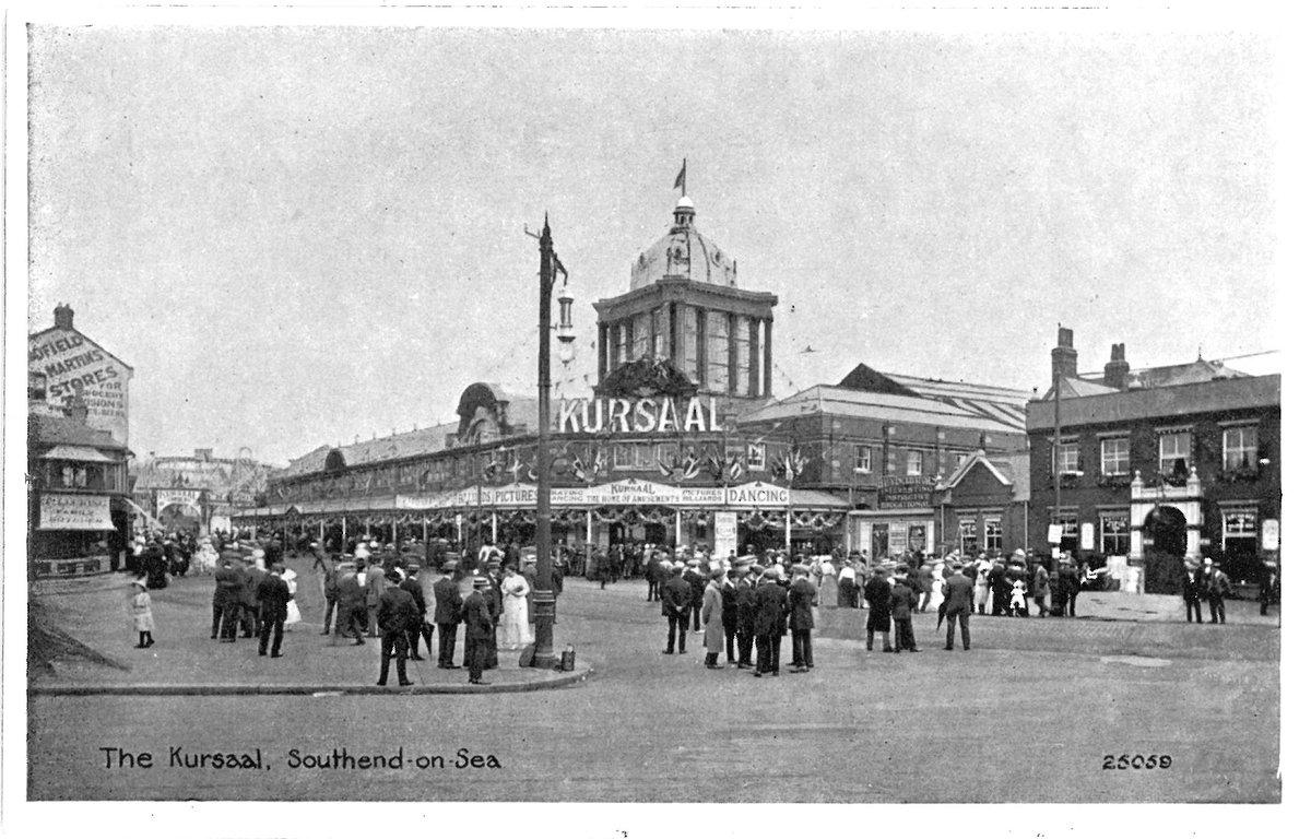 D7FTwpsW0AAdc1H - Southend's Kursaal 50 years on