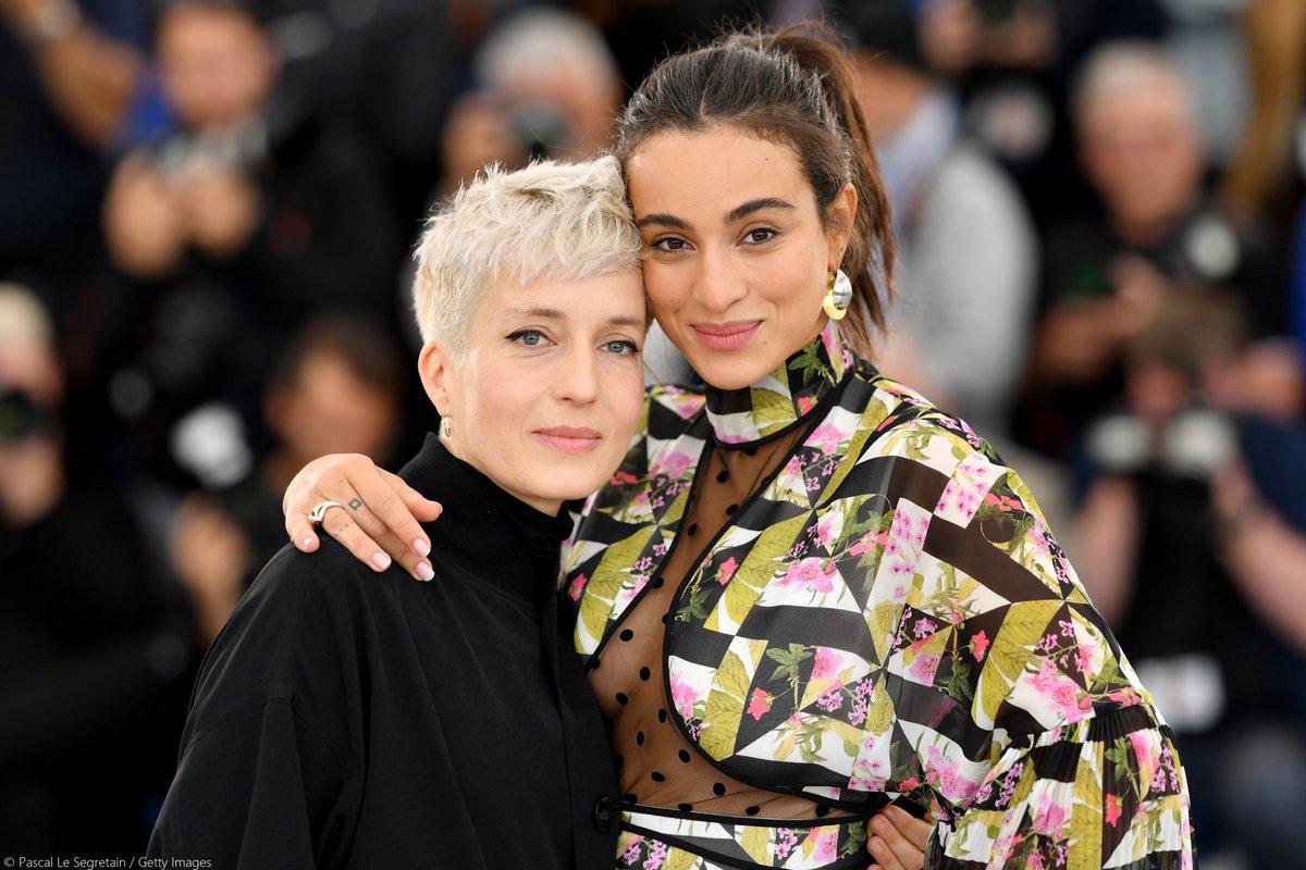 #Photocall HAUT LES FILLES de François Armanet 📸  avec Jeanne Added & Camelia Jordana #Cannes2019 #CinémaDeLaPlage