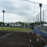 Image for the Tweet beginning: 埼玉県内で大学野球や高校野球の試合が一斉に開催された先週末、まず5月18日は岩槻川通球場へ。東京新大学野球1部の初日を観に行きました。昨秋優勝の流通経済大学と、昨春優勝の創価大学の首位攻防戦です。リーグ優勝回数1位2位同士のこの対戦は創経戦とも呼ばれているみたいですね。