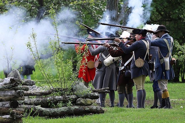 Our militia held as long as we could. But the hessians came on the field and all the men began to run for their life's. #revolutionarywar #reenactment #massachusetts #newengland #patriots https://t.co/6y93z27xVq