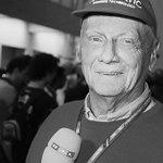 """Heute von 20:15-00:00 Uhr: """"Servus, Niki! Abschied von einer Legende."""" #RTL trauert um #NikiLauda und widmet ihm heute großen Themenabend. Moderation: @FlorianKoenig1. Mit Gästen, der preisgekrönten Lauda-Doku """"Mein Leben am Limit und dem Biopic #Rush https://t.co/f0eF0Q6LBi"""