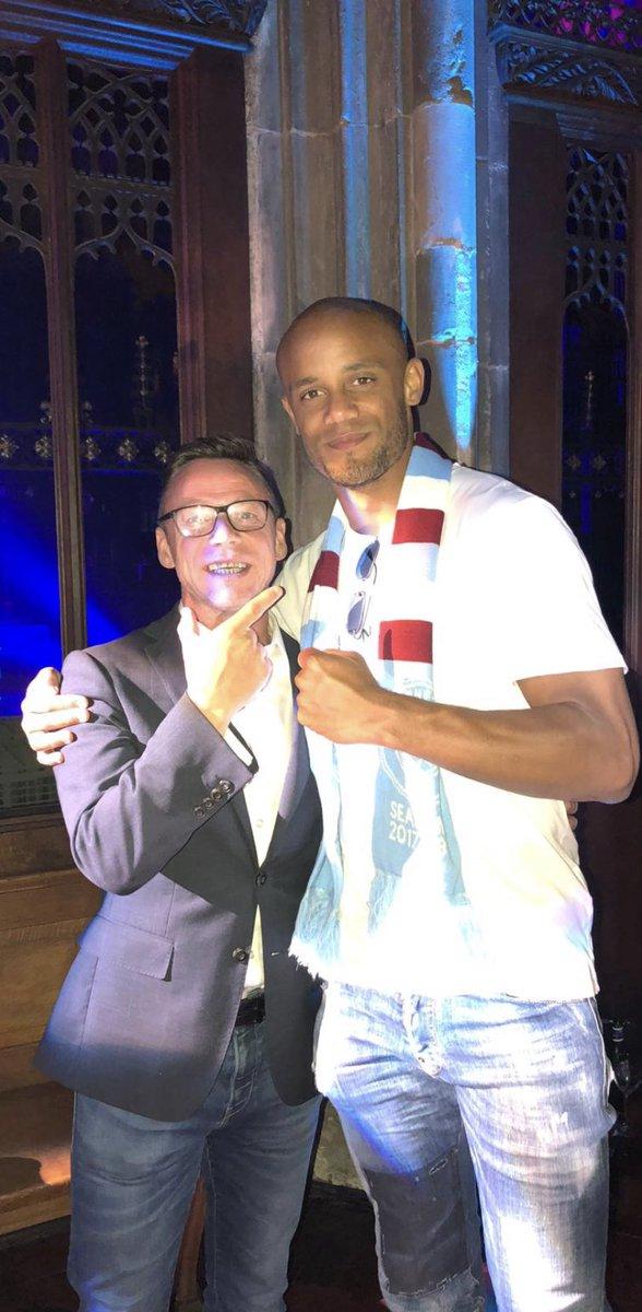 RT @OfficialPDickov: Oh what a night @ManCity 💙 #championes 🏆 https://t.co/f0QO88TThF