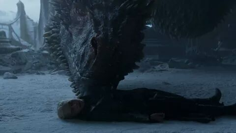 The award of best son goes to drogon. #GOTfinal <br>http://pic.twitter.com/GJxt5x5OF3