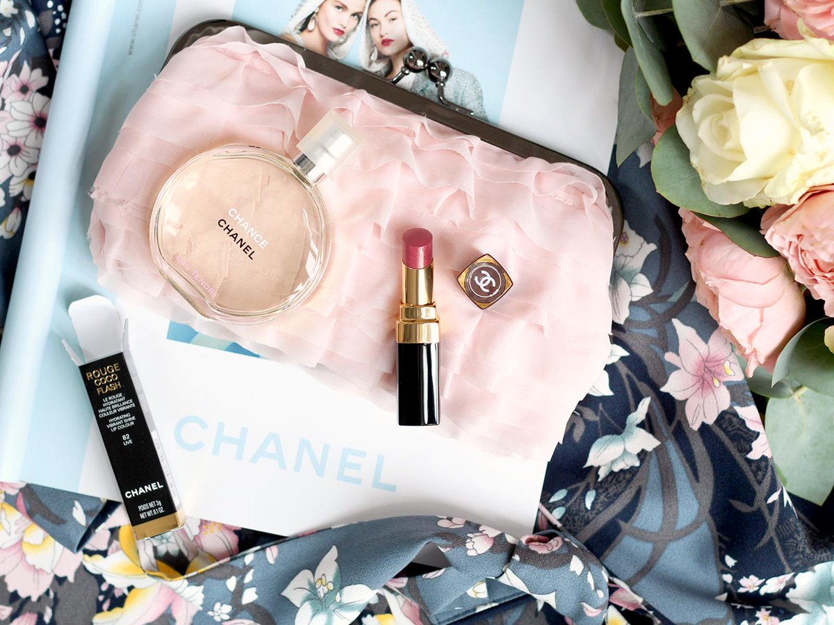 ❦ Nouvel article sur le blog | Rouge Coco Flash de Chanel : le parfait petit rouge à lèvres chic et brillant https://beautyandgibberish.blogspot.com/2019/05/rouge-coco-flash-de-chanel-le-parfait.html … #RougeCocoFlash #Chanel #Chanelmakeup