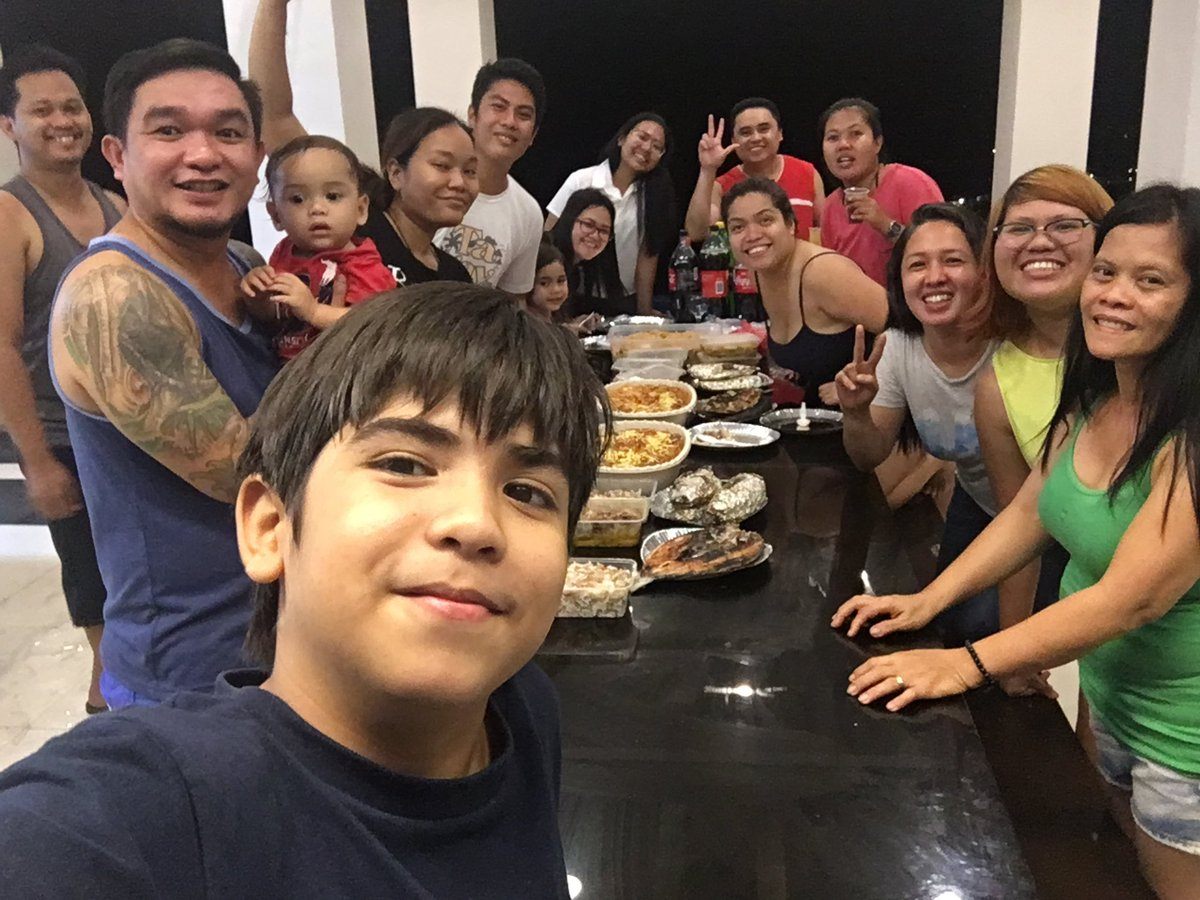 KRB and MST Family Reunion. Sana next time lahat ng KRB na.   Cliffhouse feature soon on http://goradexplorer.com!