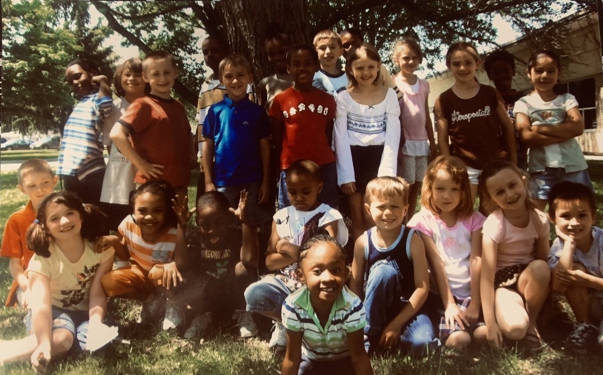 These kids will always be 6 years old to me. Congratulations, graduates.  💜💛 #ReynProud #ReynGraduation https://t.co/otU6dLNMMf