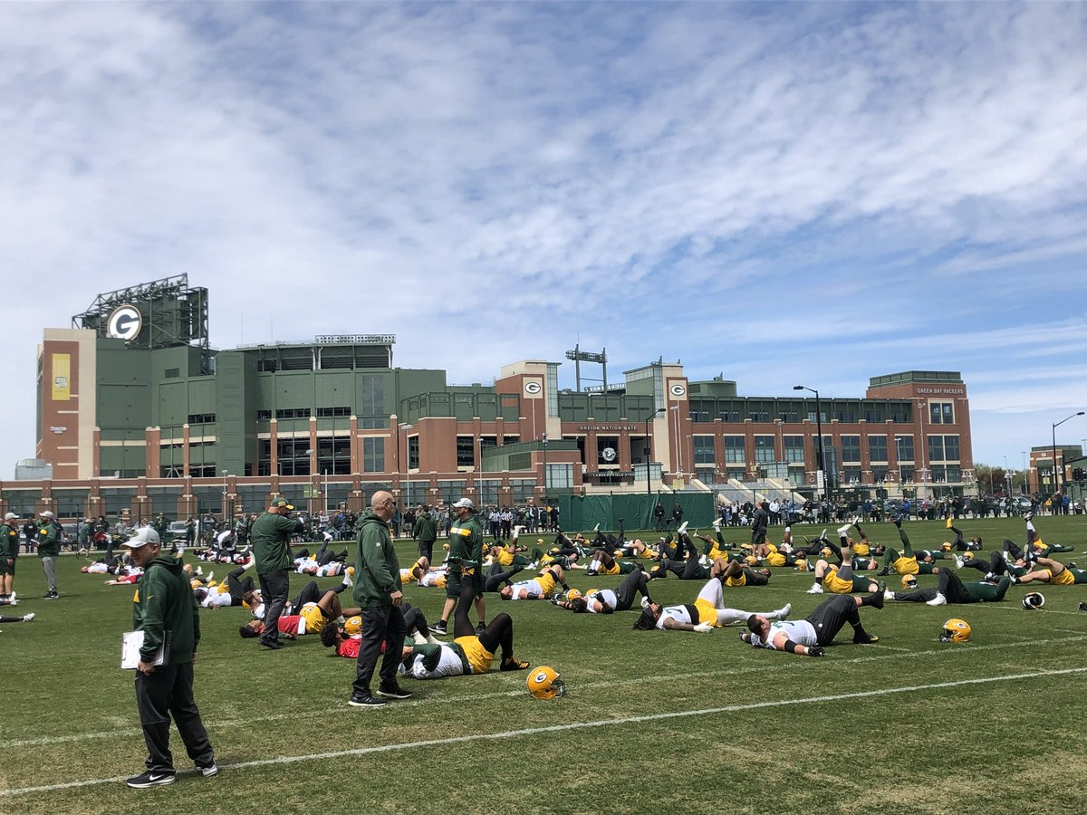 Welcome to #Packers OTA public practice No. 1 <br>http://pic.twitter.com/FIDeLrNYTw