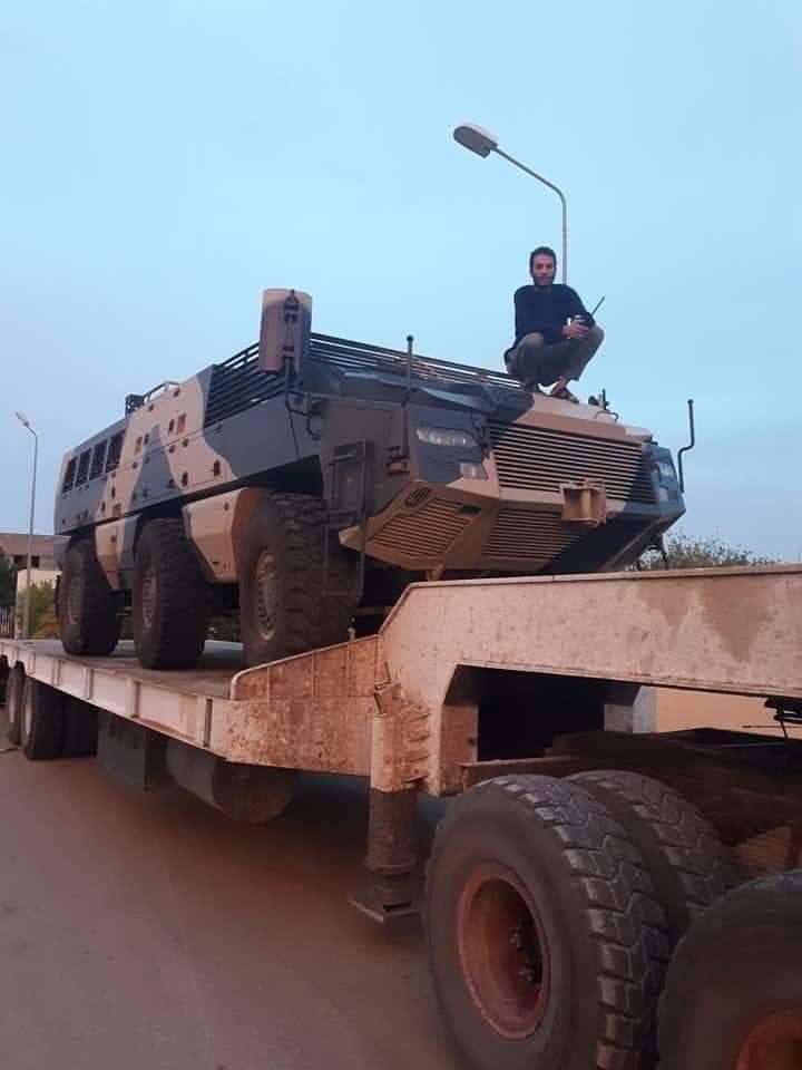 ظهور مدرعات الاردنية المارد 8x8 و المومباي 6x6 و الوحش 4x4 في ليبيا D7GCgSNWwAA2WT8