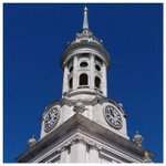 Image for the Tweet beginning: Blue skies over Greenwich today.